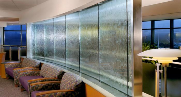 Водопад на стекле